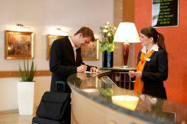 Медкнижка для работника гостиницы каких врачей проходить